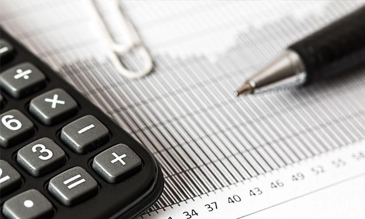 abogados mercantiles y economistas